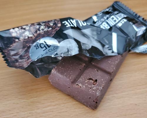 マツキヨプロテインバービターチョコレート中身
